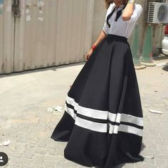 """This skirt ♡♡♡ Modest Street Fashion  By @house_of_nomad @shoestova_ #longskirt #hijab #hijabfashion  #simplycovered #ootd #fashion  #modeststreetfashion"""