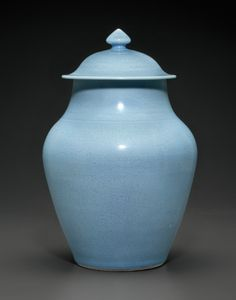 A very rare incised lavender-glazed vase and cover, Shunzhi period, circa 1650