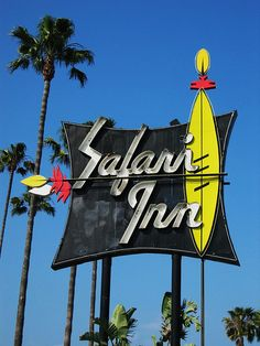 Safari Inn  (Burbank, CA) pet friendly. This is very close to the LA Equestrian Center if you're boarding your horse & traveling with your dog.
