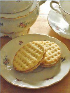 Baking Recipes, Cookie Recipes, Bun Recipe, Fika, No Bake Desserts, Waffles, Almond, Sweets, Food Cakes
