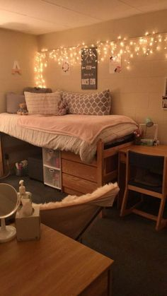 Dorm Room Ideas for Girls College Boho . 42 Luxury Dorm Room Ideas for Girls College Boho . 50 Cute Dorm Room Ideas that You Need to Copy Cool Teen Bedrooms, Girls Bedroom, Bedroom Decor, Bedroom Loft, Trendy Bedroom, Bedroom Furniture, Master Bedroom, Small Teen Room, Small Dorm