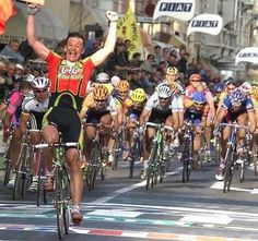 Andrei Tchmil looking extremely surprised to beat the sprinters at Milan-San Remo in 1999