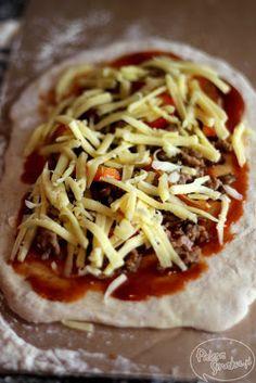 Paleta Smaku: Pizza z mielonym mięsem i sosem a la barbecue Tacos, Spaghetti, Pizza, Mexican, Ethnic Recipes, Food, Essen, Meals, Yemek