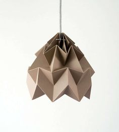 Minimalist Origami Lighting - The Moth Lampshade Creates Intricate Geometric Shades of Light (GALLERY) for lamp Kirigami, Origami Lights, Origami Lantern, Origami Lampshade, Diy Lampe, Origami Design, Decoration Design, Color Effect, Origami Paper