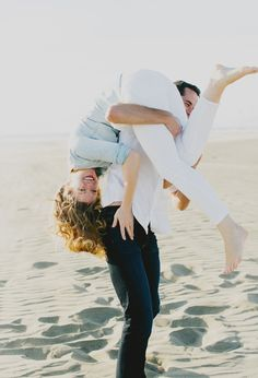 20 Romantic & Fun Beach Engagement Photos - Milou & Olin