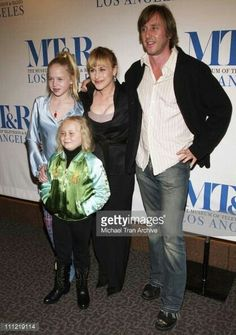 News Photo : Patricia Arquette, Jake Weber, Sofia Vassilieva. Sofia Vassilieva, Jake Weber, Fantasy Tv Series, Celebrity Siblings, Patricia Arquette, Ghost Whisperer, Lost Girl, Famous Celebrities, Outlander