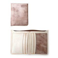 $40   Minimalist Leather Bifold Wallet #minimalistwallet #leatherwallet #gifts