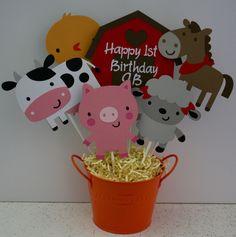 Farm animal themed centerpiece, Farm animal birthday party