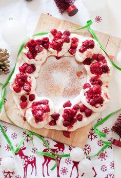 Christmas, baking, wreath, pavlova, recipe, food, blog, blogger, uk, lifestyle, raspberry
