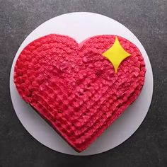 Check out this cute emoji heart cake Perfect for vaelntinesday valentine cake desserts Cake Decorating Designs, Cake Decorating Videos, Cake Decorating Techniques, Cookie Decorating, Decorating Hacks, Baking Recipes, Cake Recipes, Dessert Recipes, Baking Desserts
