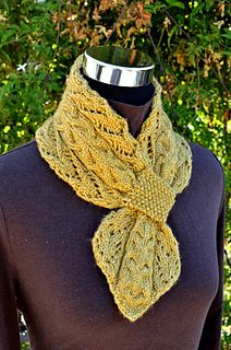 Lace_and_cables_scarf_11ss_small2