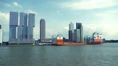 Dockwise Vanguard pays visit to Rotterdam (video)