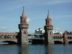 Berlin | The Oberbaumbrücke finally connects East and West