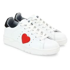Chiara Ferragni Leather Heart Sneakers (1.035 BRL) ❤ liked on Polyvore featuring shoes, sneakers, white red, perforated sneakers, low profile sneakers, white shoes, chiara ferragni shoes and white trainers