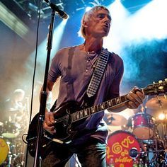 Paul-Weller. The Style Council, Paul Weller, Rock News, Teddy Boys, The Man, Guitar Players, Music Posters, Legends, Bands