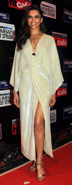Deepika Padukone looked gorgeous in white at Hindustan Times Mumbai's Most Stylish Awards 2014.