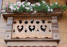 frises en sapin, bois sculpte, frise decorative, planches de rives ...