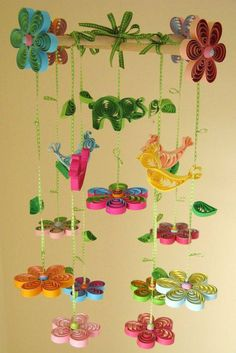 a wall hanger using quilling paper craft