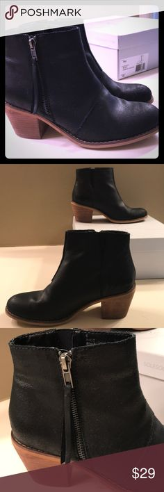 Nubuck Black Bootie Black with zipper on the outside. Perfect height heel with a bit of a worn style look. Bootie Boots, Ankle Boots, Black Booties, Booty, Zipper, Best Deals, Heels, Closet, Things To Sell