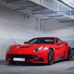 N Largo. #ItsWhiteNoise #Ferrari #RedHot by @ivanorlov via @supercarlifestyle