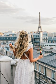 Travel adventure explore wild and free wanderlust vacation trip city paris Color Mate, My Little Paris, Birthday Wishes Girl, Happy Birthday, Travel Inspiration, Style Inspiration, Looks Cool, Oh The Places You'll Go, Lifestyle Photography