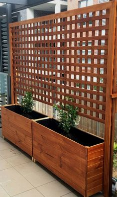 Backyard Privacy Fence Landscaping Ideas On A Budget 151 #PrivacyLandscape #LandscapingProjects