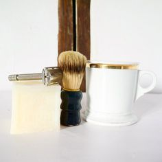 Mens French Vintage  Shaving Kit Set Razor Cup Gift Soap Brush
