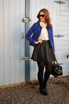 A Gap jacket as featured on the blog Born Lippy by  @Melanie Morais.