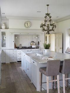 35 Luxury Big Open Kitchen Design Ideas For Home Kitchen Design Open, Open Kitchen, Interior Design Kitchen, Kitchen Dining, Sunroom Kitchen, Kitchen Layout, Home Decor Kitchen, Home Kitchens, Kitchen Ideas