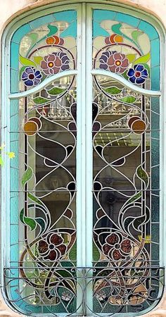 1890 Art Nouveau stained glass window at Casa Agustí Anglora, Barcelona, Spain by Roger de Llúria - Architect: Isidre Reventós i Amiguet - Mlle Leaded Glass, Stained Glass Art, Stained Glass Windows, Mosaic Glass, Glass Doors, Mosaic Windows, Window Glass, Architecture Art Nouveau, Windows Architecture