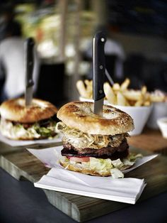 Get in mah belly! - http://dropdeadgorgeousdaily.com/2013/12/eat-cordon-blucy-burgers-food-family/