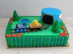 Thomas the Train Cake – Nichalicious Baking Thomas Train Birthday Cake, Birthday Cale, Trains Birthday Party, Train Party, Birthday Ideas, Birthday Parties, Thomas Cakes, Thomas The Train Cakes, Train Cupcakes