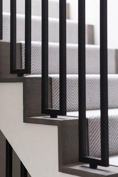 Modern Staircase Ideas With Various Pattern. - Modern Staircase Ideas With Various Pattern. Modern Staircase Ideas With Various Pattern. Modern Stair Railing, Stair Railing Design, Iron Stair Railing, Home Stairs Design, Stair Decor, Staircase Railings, Interior Stairs, Staircase Ideas, Staircase Design Modern