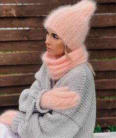 15 Things Stylish Women Do Every Day Outfits With Hats, Warm Outfits, Cute Winter Hats, Gros Pull Mohair, Knit Crochet, Crochet Hats, Beanie Hats For Women, Angora Sweater, Winter Mode