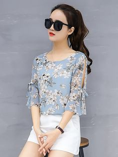 Women& Going out Street chic Loose Blouse - Floral Basic Blue XXL / Spring . Kurta Designs, Street Chic, English Dress, Outfits Primavera, Black Crochet Dress, Sleeves Designs For Dresses, Blouse Models, Summer Blouses, Blouse Styles