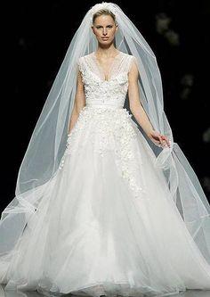 Vestidos de noiva Elie Saab para Pronovias 2013 Image: 7