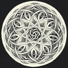 Enthusiastic Artist, Margaret Bremmer, Certified Zentangle Teacher: Celtic-style Auraknot by Bellacelt