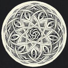 Enthusiastic Artist, Margaret Bremmer, Certified Zentangle Teacher: Celtic-style Auraknot by Bellacelt
