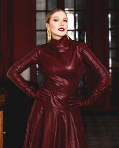 Leather Mini Dress, Leather Dresses, Gloves Fashion, Exotic Women, Fashion Beauty, Women's Fashion, Leather Gloves, Leather Fashion, Lady
