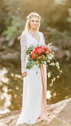 Brown Flowers, White Wedding Flowers, All Flowers, Amazing Flowers, Fresh Flowers, Blush Peonies, Peonies Bouquet, White Peonies, Where To Buy Peonies