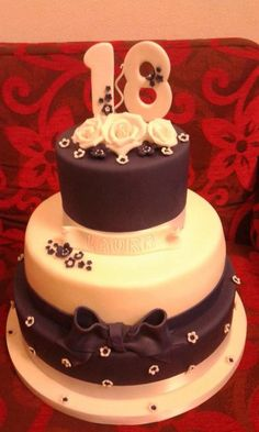 WHITE AND BLUE - Cake by FRANCESCA