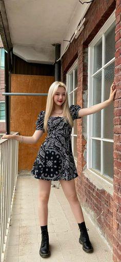 Kpop Girls, Pinup, Summer Dresses, Pretty, Fashion, Moda, Summer Sundresses, Fashion Styles, Fashion Illustrations