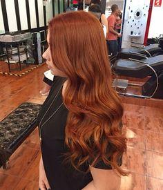 """Os ruivos são a cor queridinha do momento! Apaixone-se por esse tom: """"Nesse cabelo vemos o resultado do IGORA 8-77 sozinho. Ele faz milagres e deixa aquele tom mais laranjinha que todas as clientes sempre pedem. Claro que isso já partindo de um cabelo desbotado. É praticamente mágica como Igora consegue igualar o tom com essa tecnologia!"""" - @jeanphh. #SchwarzkopfProfessional #SchwarzkopfBR #SKP #Cabelos #Hair #Style #Beauty #ruivo #ruiva #ginger"""