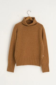 Lightweight, wool mix jumper with a roll neckline, slits to either side of the hemline and finished with a small Olive tab to the seam. Jumper Outfit, Turtleneck Outfit, Grunge Outfits, Grunge Fashion, Street Fashion, Olive Clothing, Tokyo Street Style, Roll Neck Jumpers, Shopping