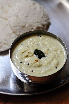 Tamil Coconut Chutney (for Idli-Dosa) Ingredients: 1 cup of grated coconut Veg Recipes, Indian Food Recipes, Vegetarian Recipes, Cooking Recipes, Recipies, Easy Chutney Recipe, Chutney Recipes, Recipe Of Coconut Chutney, Chai Recipe