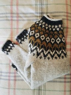 Risultati immagini per ravelry tejidos niños Fair Isle Knitting Patterns, Knitting Designs, Knitting Stitches, Knitting Yarn, Knit Patterns, Free Knitting, Baby Knitting, Knitting Tutorials, Vintage Knitting