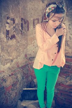 Peach and Green, my 2 favorite spring colors! Cute Summer Outfits, Pretty Outfits, Spring Outfits, Cute Outfits, Spring Clothes, Spring Summer Fashion, Autumn Fashion, High School Fashion, Teal Pants
