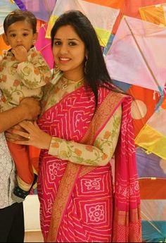 Lehenga Saree Design, Saree Blouse Designs, Mother Daughter Dresses Matching, Bridal Silk Saree, Elegant Saree, Gold Jewellery, Jewelry, Wedding Outfits, Embroidered Blouse