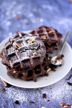 Workouts, playlists and fitness inspiration! Brownie Waffles, Pancakes And Waffles, Brunch Recipes, Sweet Recipes, Dessert Recipes, Brownies, Waffle Bar, Sweet Breakfast, Brownie Recipes