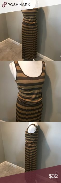 Michael Kors Jersey Stripe Maxi Michael Kors Army Green jersey striped Maxi Dress in size Small. Had belt loops but no belt included. Super easy to add one or remove loops!  Perfect condition!  ......................... 🚫 - No Trades! 🚭 - listings from a non-smoking home 📬 - fast shipping 💌 - Feel free to make an offer!  💯 - items as described, feel free to ask questions  🔍 - search my closet for other great listings! 🛍 - Happy Shopping! MICHAEL Michael Kors Dresses Maxi
